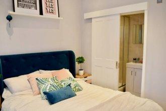 Modern 3 Bedroom Garden Flat in Tooting