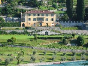 Villa Crella Apartments