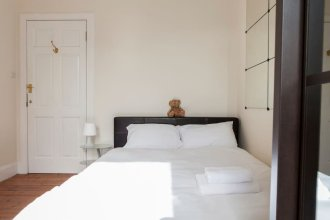 2 Bedroom New Town Flat In Edinburgh