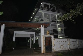 Senora Guest House