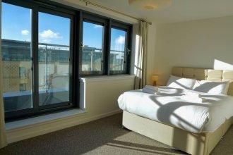 1 Bedroom Penthouse Apartment Near Murrayfield Sleeps 4