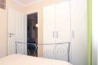 Apartment Flores