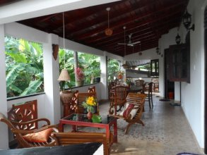 Nirmala Guest House By Tourist House