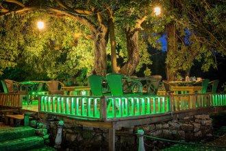 Secret Garden Bungalows & Tent Hotel