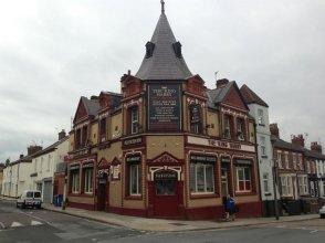 The King Harry Bar & Hostel