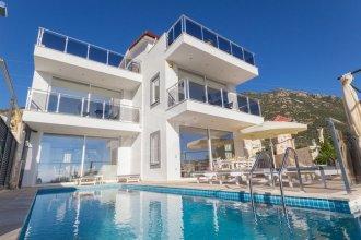 Villa Manolya by Akdenizvillam