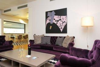 175m² Urban Luxury homm Apt in Deinokratous Str
