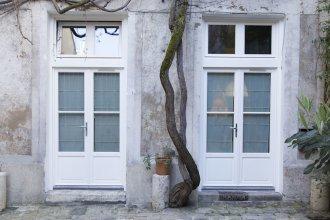 Saint-Germain des Prés Apartment 2