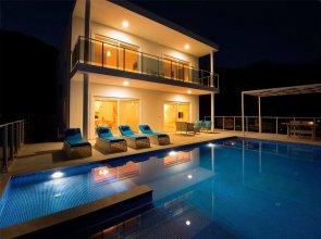 Villa Rudi by Akdenizvillam