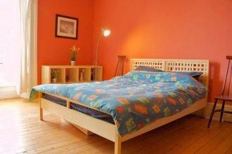 2 Bedroom Flat In Morningside