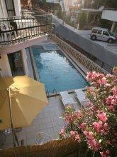 Golden Kum Hotel