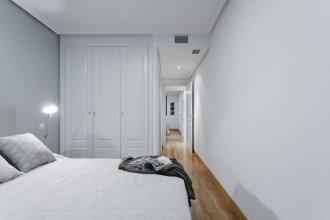 Ayala Apartment by FlatSweetHome