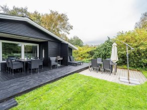 6 Person Holiday Home on a Holiday Park in Hemmet