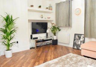 Refurbished 2 Bedroom Flat in Haggerston
