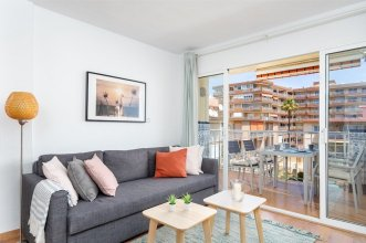 Delightful Apartment on The First Shoreline Ref 141