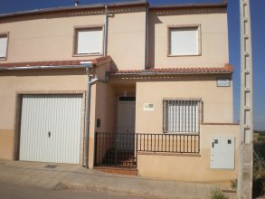 House With 4 Bedrooms in Castellar de Santiago, With Furnished Terrace