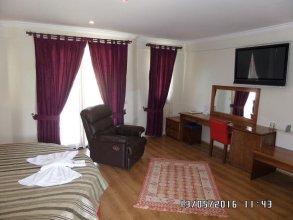 Pia Hotel