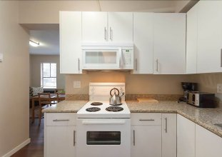 Cozy 2br in Downtown Vancouver by Namastay