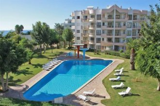 Apartamentos Paraíso Sol da Rocha - Free heated indoor Swimming pool - wifi, Air co. - by bedzy