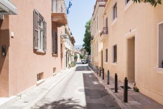 UPSTREET Delightful 1BD Apt in Plaka
