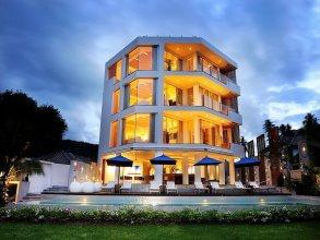 Beachfront Phuket Seaview Suites
