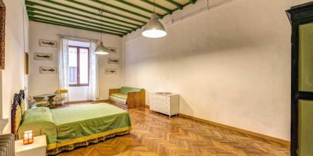 Campo de Fiori 3 bedroom apartment