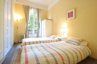 Rent a Flat in Barcelona Arc de Triomf