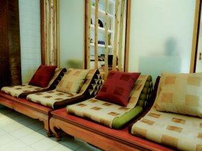 Saphan Krungthep Hostel & Spa