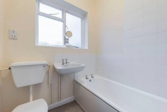 Charming 1BR apt in Victorian Building Close to Hampstead Heath