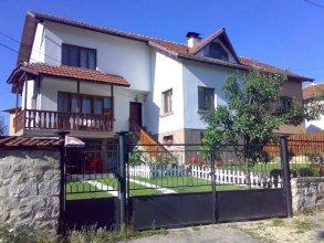 Iundova Guest House