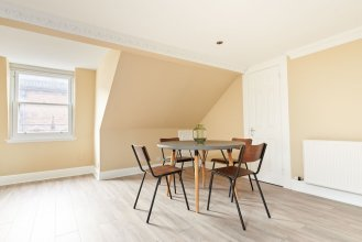 Sonder - Royal Garden Apartments
