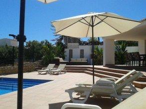 Villa 81 Amazing Villa in a Fantastic Location on Oura Beach, Albufeira
