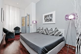 Spanish Steps Apartment