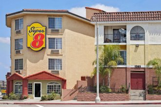 Super 8 by Wyndham Los Angeles Downtown