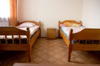 Na Dzerzhinskogo Guest House