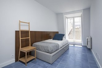 3bdr Blue Tile Design Apartment in Bairro Alto