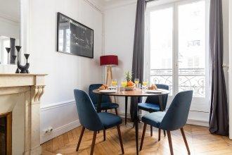 River Seine - Quartier Latin Apartment