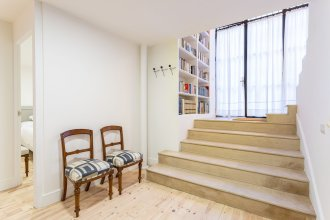 Modern Apartment 2 Bd & 2 Bth Near the Cathedral. Catedral V