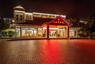 Sanya Yinyuan Linhai Theme Hotel