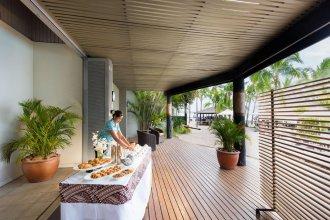 DoubleTree Resort by Hilton Hotel Fiji - Sonaisali Island