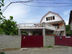 Guest House on Leningradskaya 41