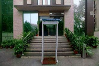 OYO 383 Hotel Divine Paradise