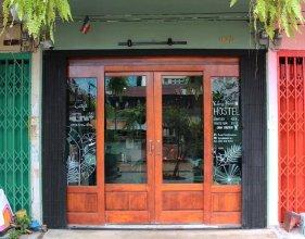 Klong House Hostel