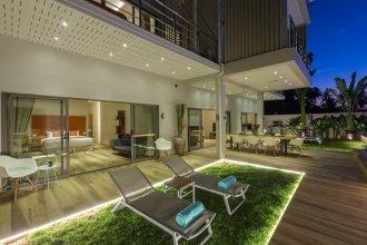 5 Bedrooms Villa Bacardi