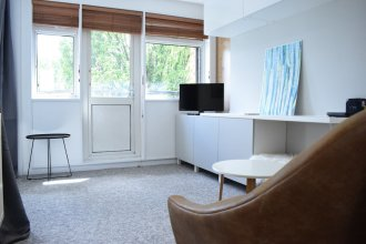 Shadwell 1 Bedroom Flat With Balcony