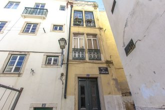 Alfama Typical by Homing