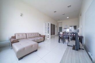 OYO Home 791 Luxury 2 Bedroom Vue Residence
