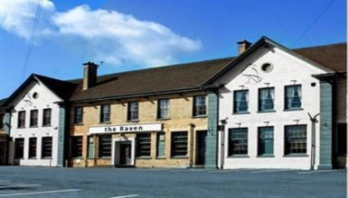 The Raven Hotel - Inn