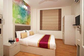 OYO Rooms 744 Near BLK Hospital
