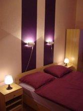 Beds N Roses Hostel